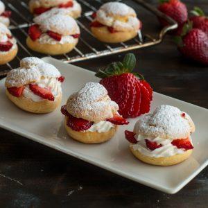 strawberries 'n cream puff ring
